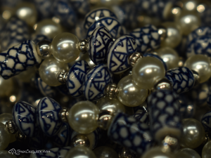 ThinkOneWeek Free Wallpaper - Beads