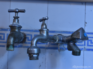 ThinkOneWeek Free Wallpaper - Water Taps